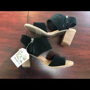 TOMS Majorca Cutout Sandals Black Suede